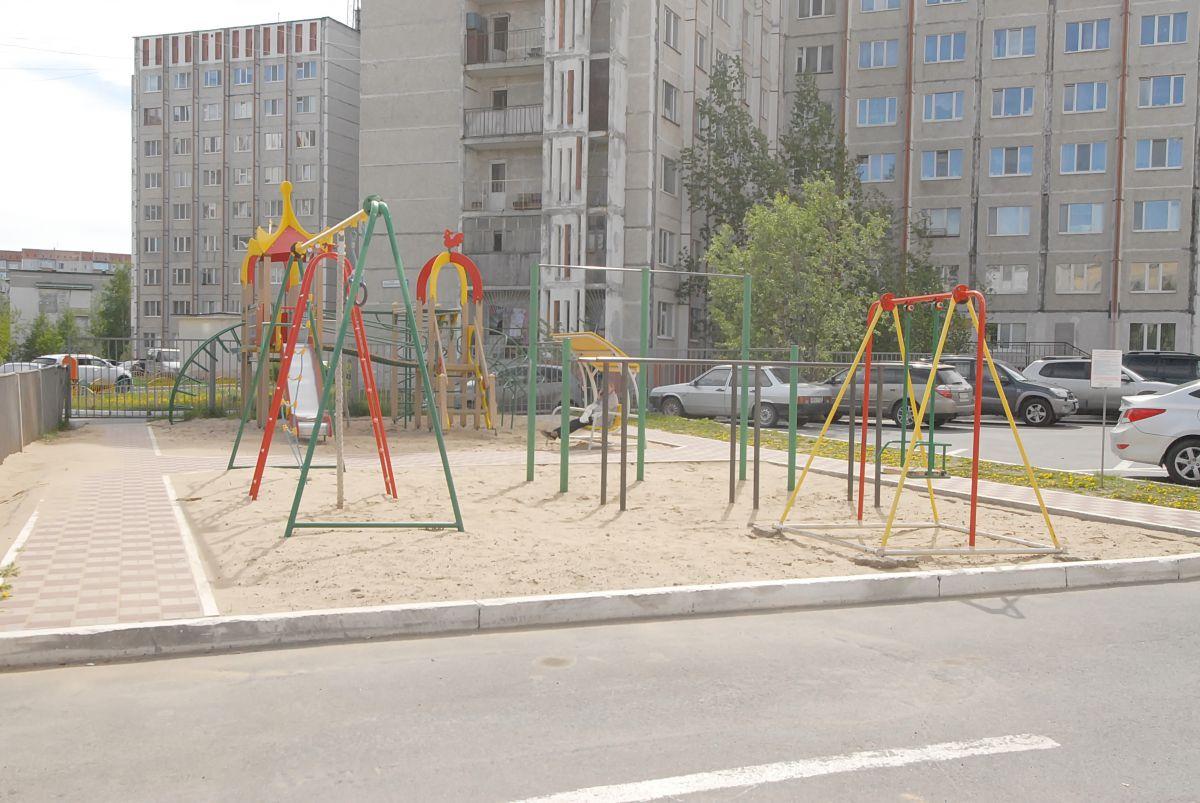2-комн. , Ханты-Мансийский автономный округ, Сургут, Центральный, Писателей б-р, 2