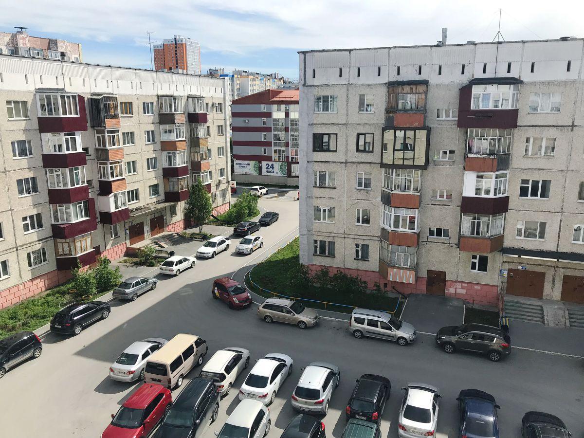 1-комн. , Ханты-Мансийский автономный округ, Сургут, Комсомольский пр-кт, 46
